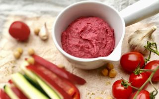 Beetroot Hummus with Vegetables