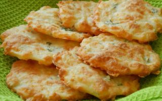 Crispy Cheese Cookies